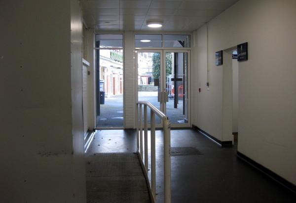 ah-leave-corridor
